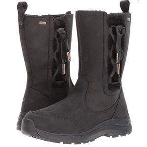 New UGG Suvi leather corset side winter boots